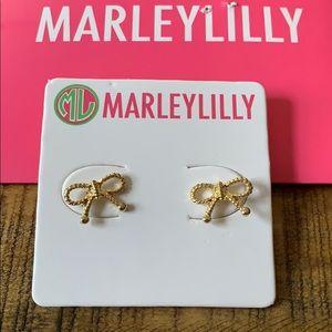 Jewelry - Gold bow earrings